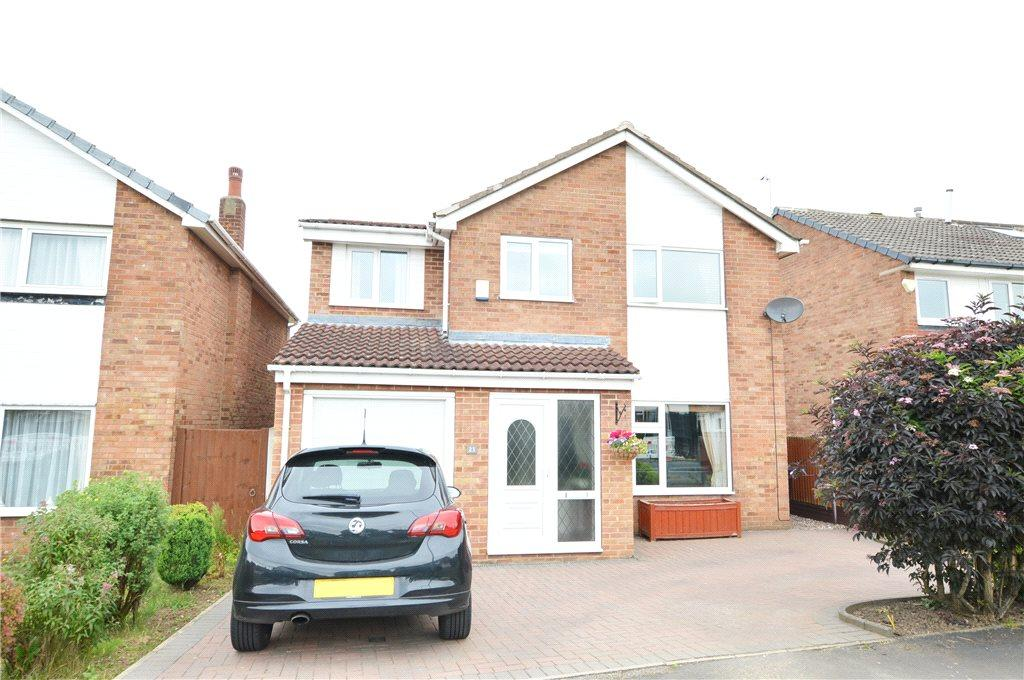 5 Bedrooms Detached House for sale in Braemar Drive, Garforth, Leeds, West Yorkshire