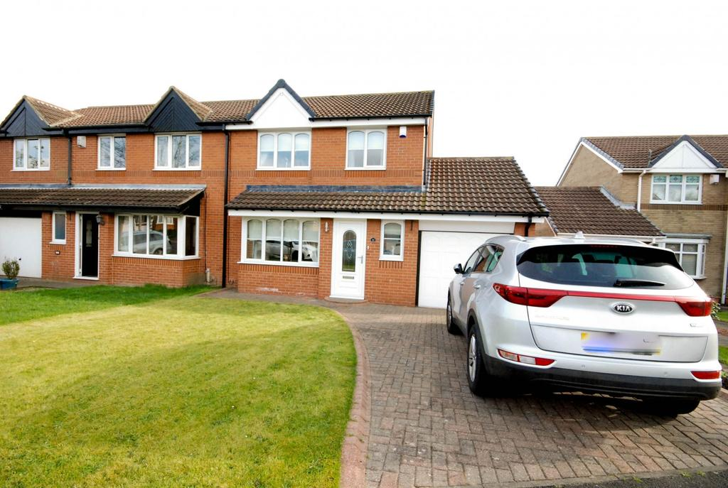 3 Bedrooms Semi Detached House for sale in Elsing Close, Newcastle Upon Tyne