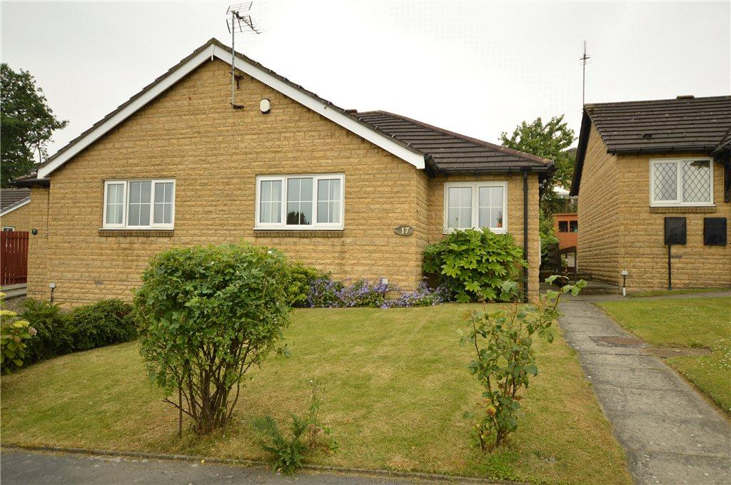 2 Bedrooms Semi Detached Bungalow for sale in Appleby Way, Morley, Leeds