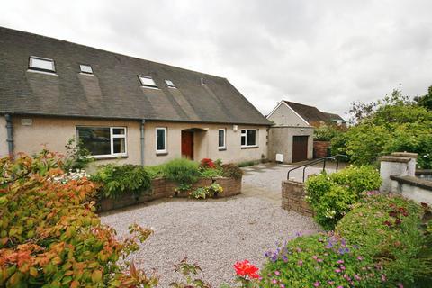3 bedroom semi-detached bungalow for sale - 17 Craigmount View, Corstorphine, Edinburgh EH12 8BS