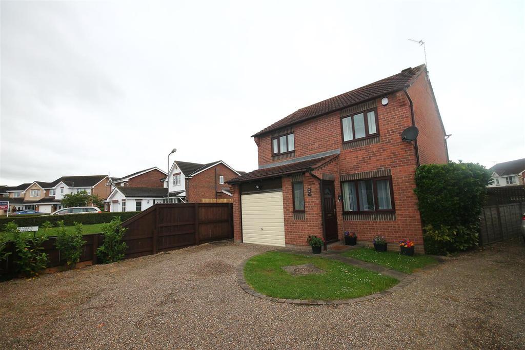 3 Bedrooms House for sale in Felbrigg Lane, Ingleby Barwick, Stockton-On-Tees