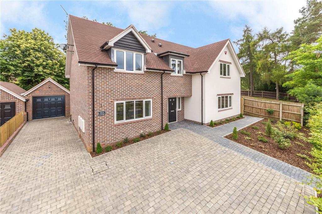 4 Bedrooms Detached House for sale in Woodland Way, Welwyn, Hertfordshire