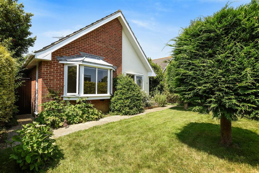 2 Bedrooms Detached Bungalow for sale in Nyewood Lane, Bognor Regis