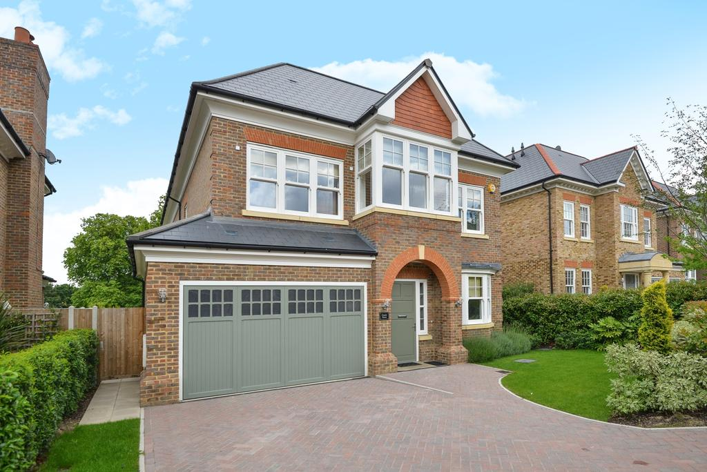 5 Bedrooms Detached House for sale in Marian Gardens Bromley BR1