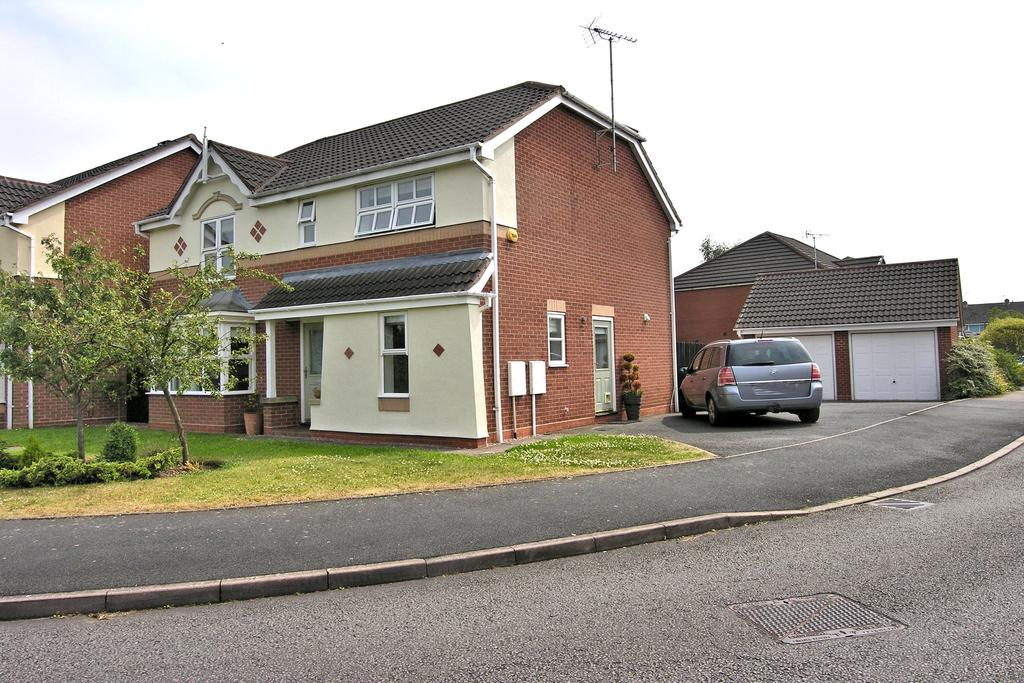 4 Bedrooms Detached House for sale in TRURO WAY, SAXONFIELDS, STAFFORD ST17