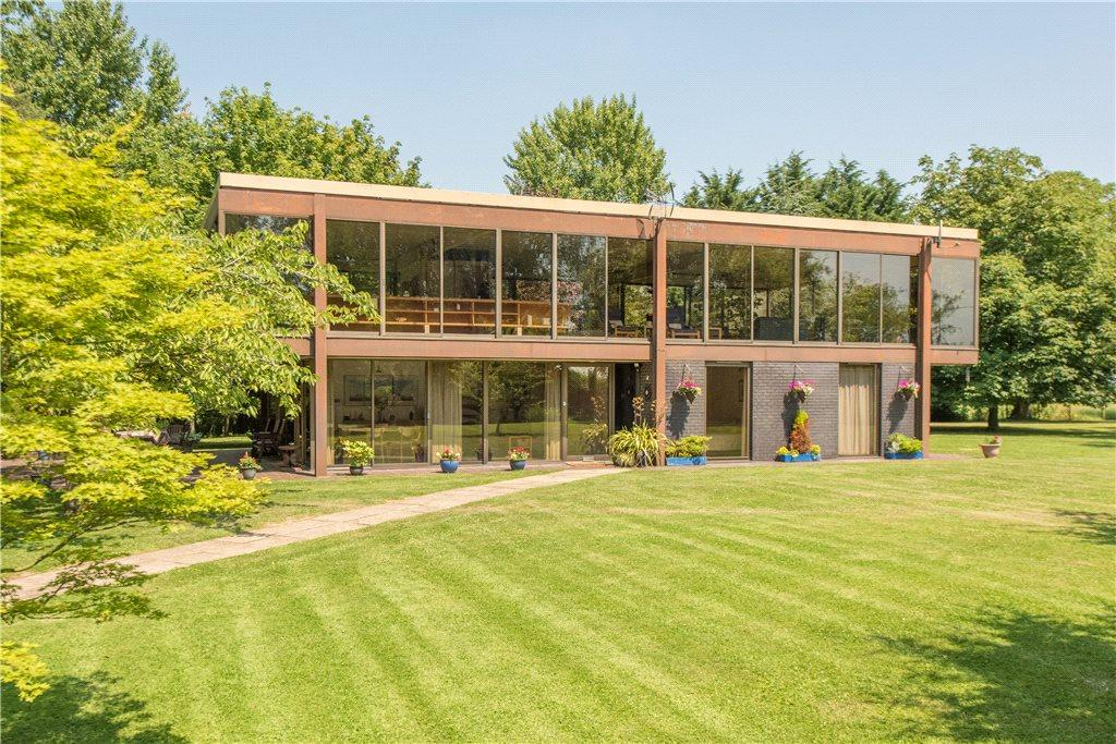 4 Bedrooms Detached House for sale in Wotton Underwood, Aylesbury, Buckinghamshire