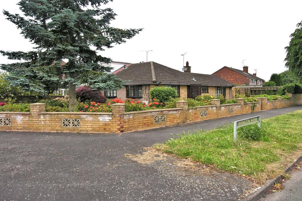 2 Bedrooms Semi Detached Bungalow for sale in TORRINGTON AVENUE, WEEPING CROSS, STAFFORD ST17
