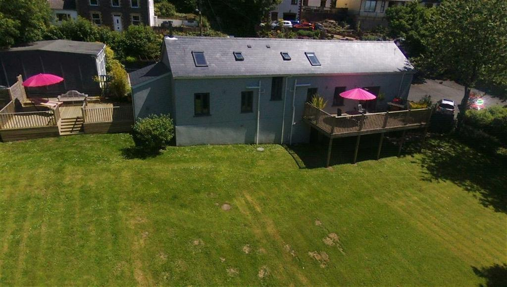 4 Bedrooms Detached House for sale in Llangynog, Carmarthen