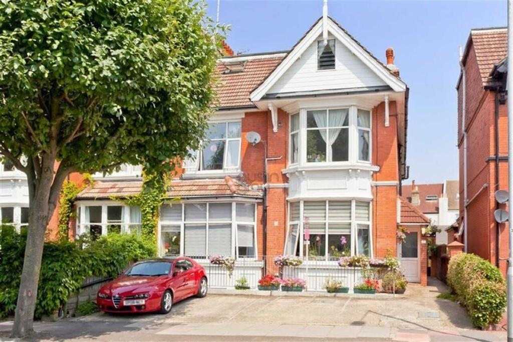 3 Bedrooms Flat for sale in Davigdor Road, Hove