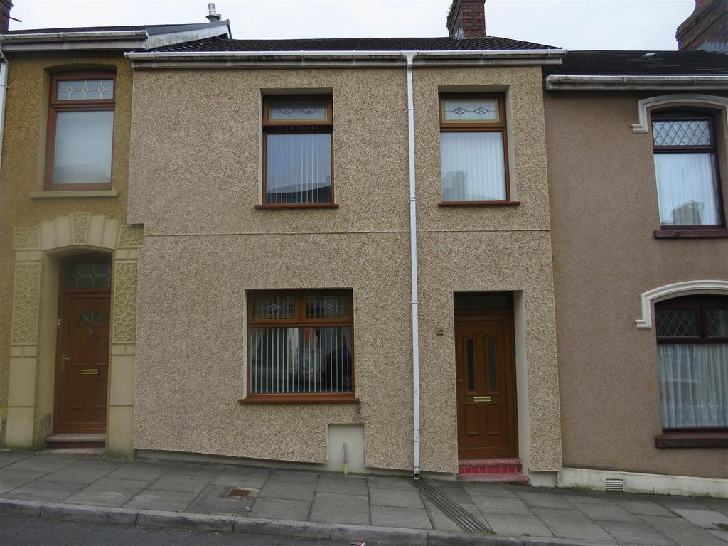 3 Bedrooms Town House for sale in Bigyn Road, Llanelli