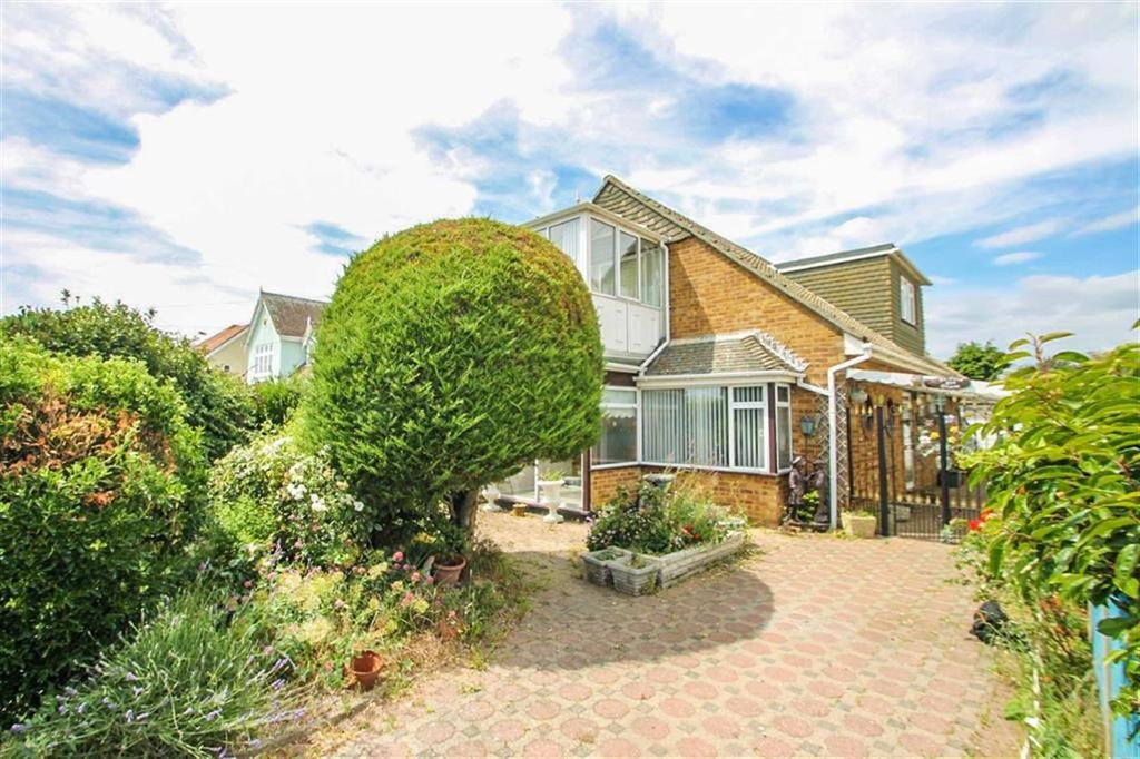 3 Bedrooms Chalet House for sale in Kings Parade, Holland-on-Sea