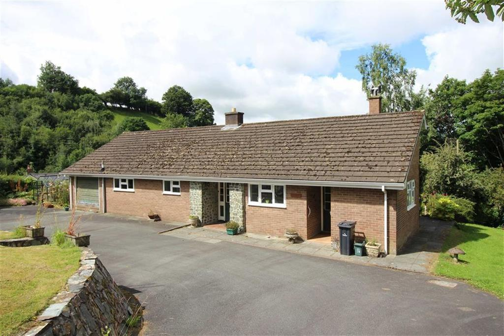 2 Bedrooms Detached Bungalow for sale in Croeso, Mount Street, Llanfair Caereinion, Welshpool, Powys, SY21