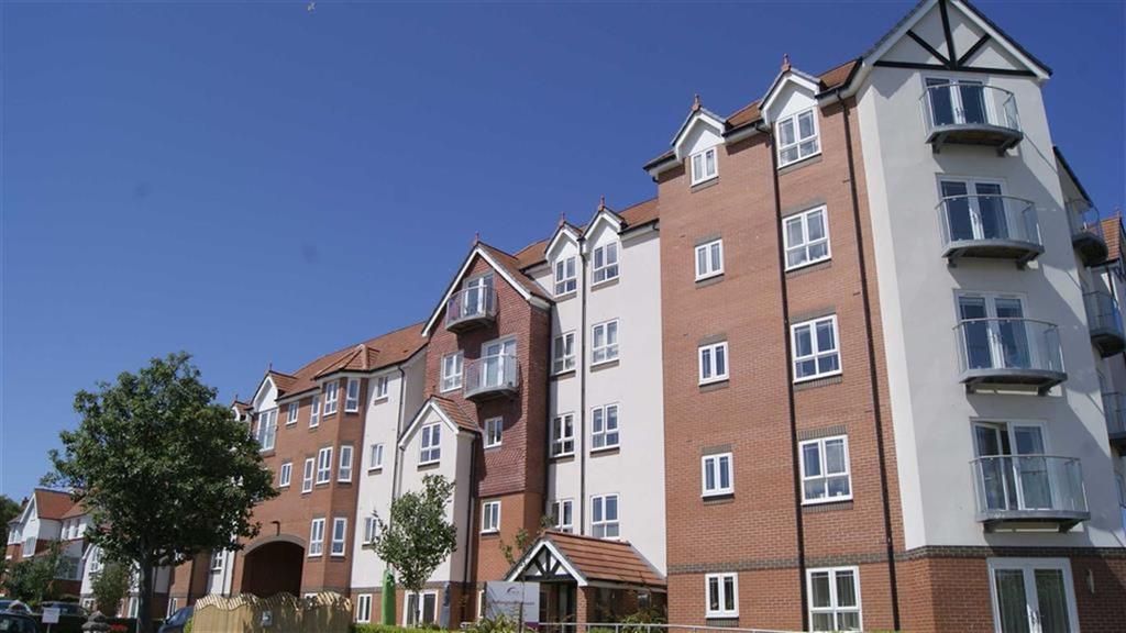 3 Bedrooms Retirement Property for sale in Abbey Road, Rhos On Sea, Colwyn Bay