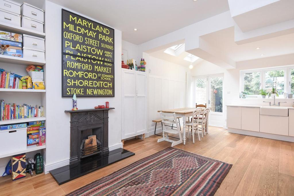 4 Bedrooms Terraced House for sale in Stanley Road, Bounds Green