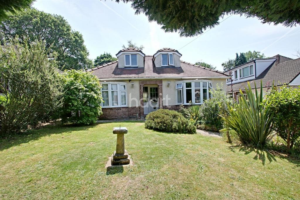 4 Bedrooms Detached House for sale in Caerphilly Close, Rhiwderin, Newport