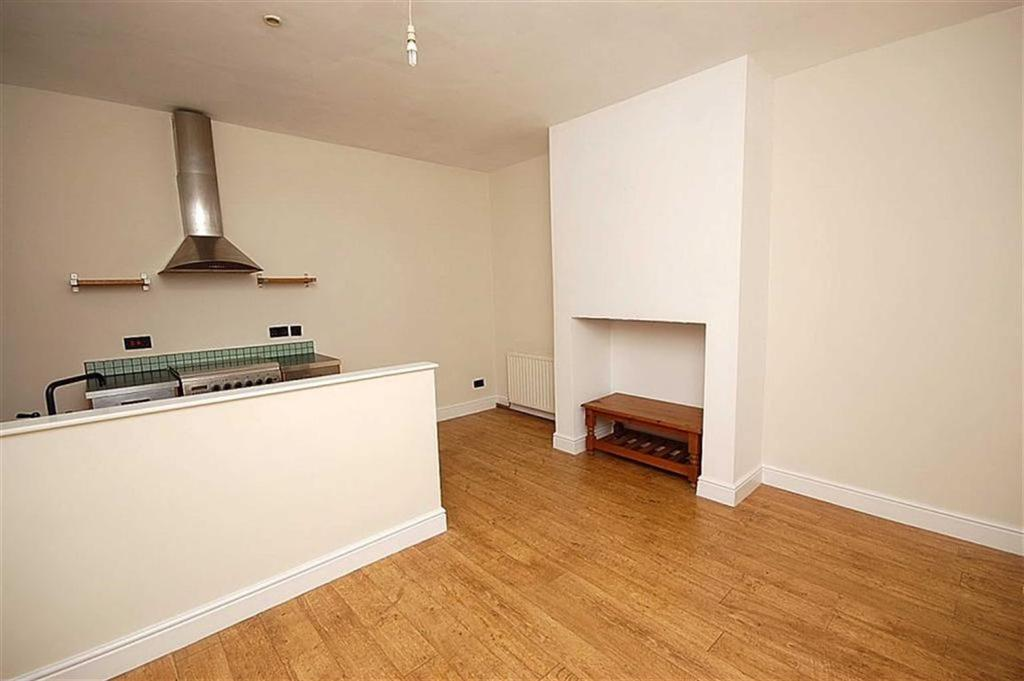 1 Bedroom Terraced House for sale in Hawthorne Terrace, Crosland Moor, Huddersfield, HD4