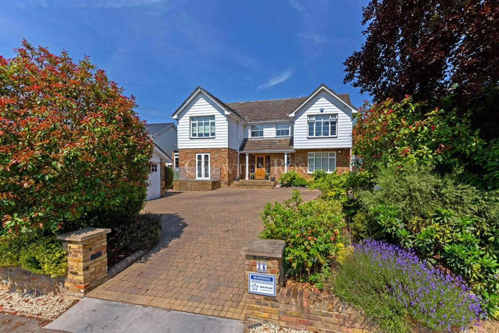 4 Bedrooms Detached House for sale in Theydon Bois