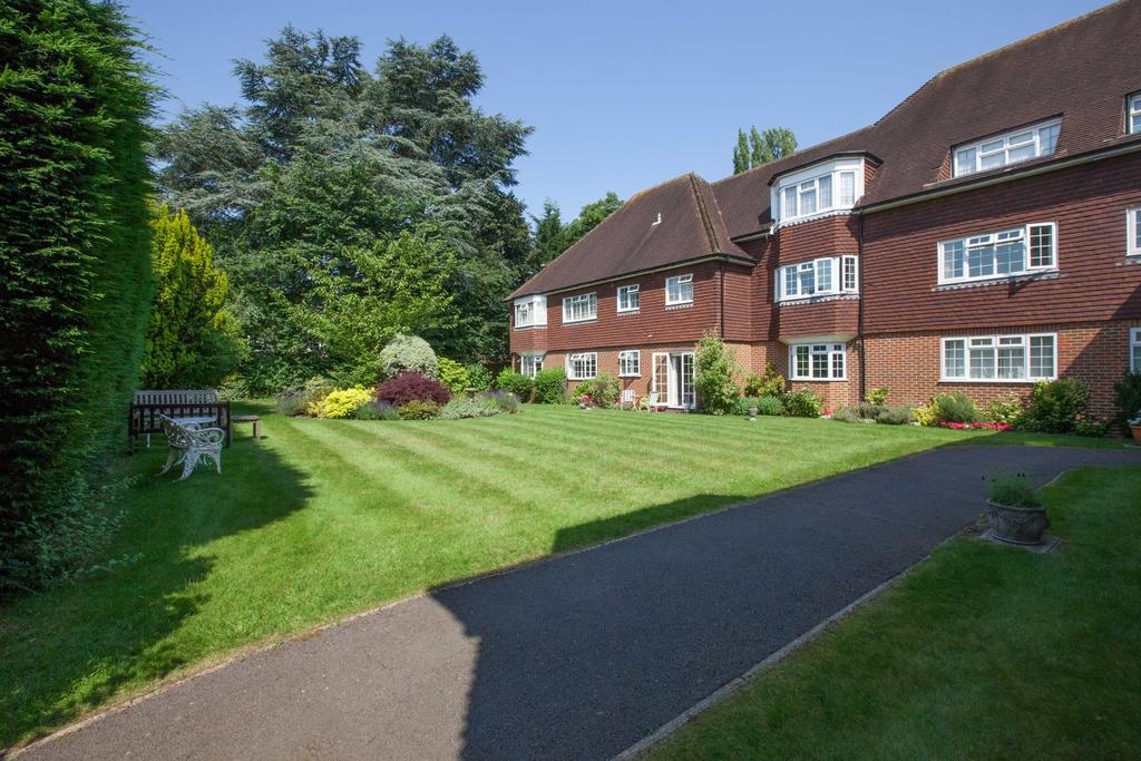 3 Bedrooms Apartment Flat for sale in Beaconsfield
