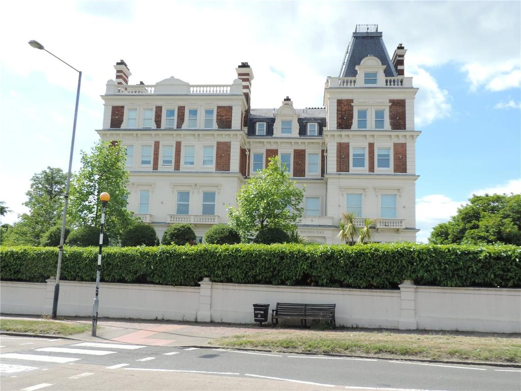 2 Bedrooms Flat for sale in Molyneux Place, Molyneux Park Road, Tunbridge Wells, Kent, TN4