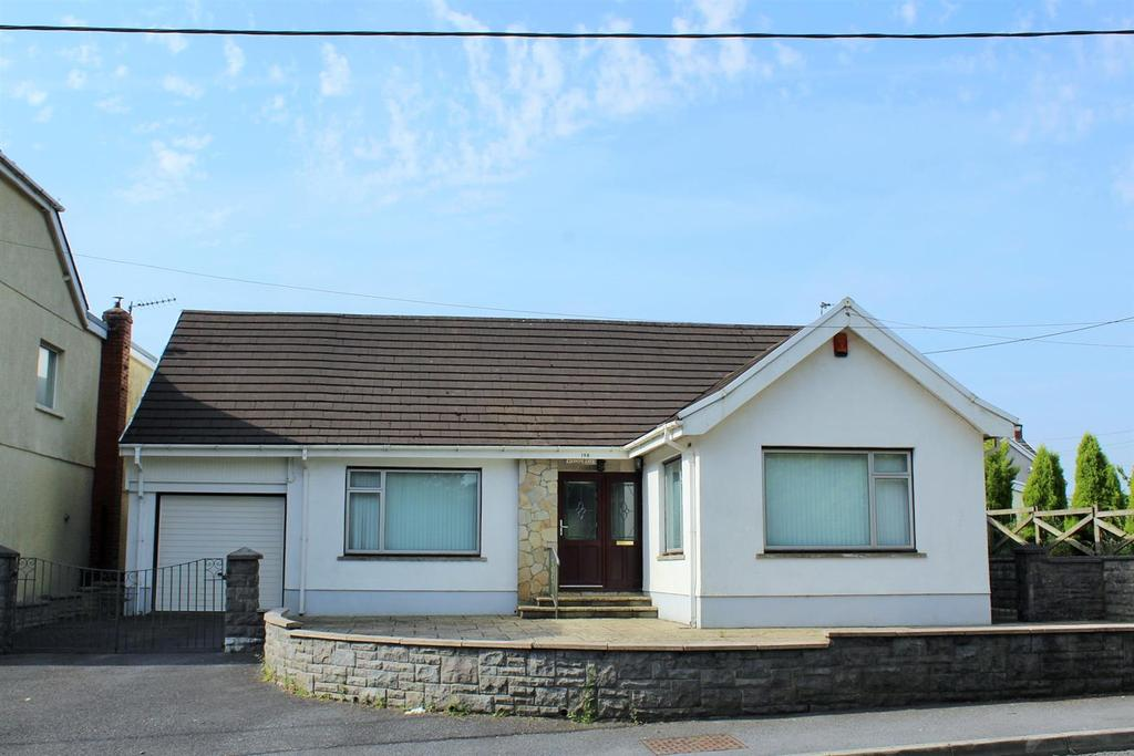 2 Bedrooms Detached Bungalow for sale in Hendre Road, Capel Hendre, Ammanford