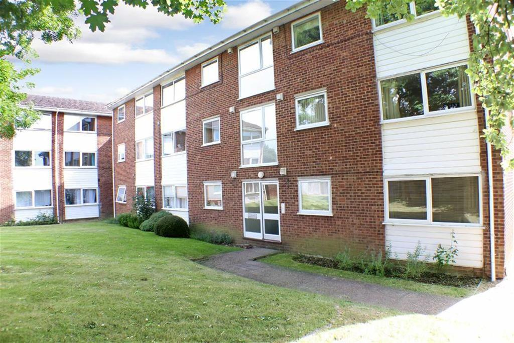 2 Bedrooms Flat for sale in Cedarwood Drive, St Albans, Hertfordshire
