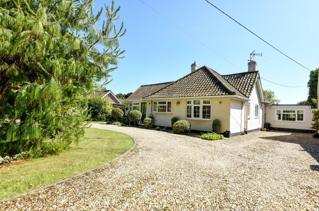 3 Bedrooms Detached Bungalow for sale in West Walberton Lane, Walberton, BN18