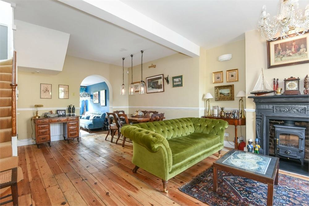 3 Bedrooms Terraced House for sale in Pages Walk, London Bridge, SE1