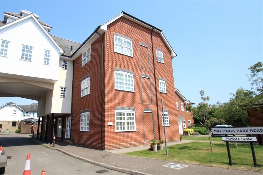 2 Bedrooms Maisonette Flat for sale in Daniells House, West Bergholt, Colchester, Essex