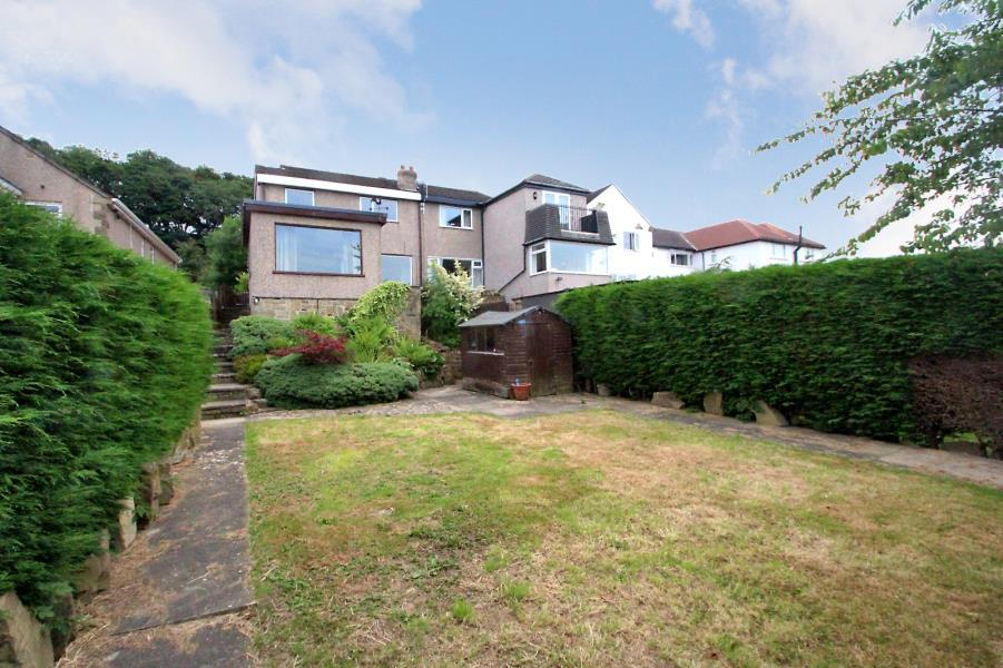 4 Bedrooms Semi Detached House for sale in NAB WOOD DRIVE, SHIPLEY, BD18 4AP