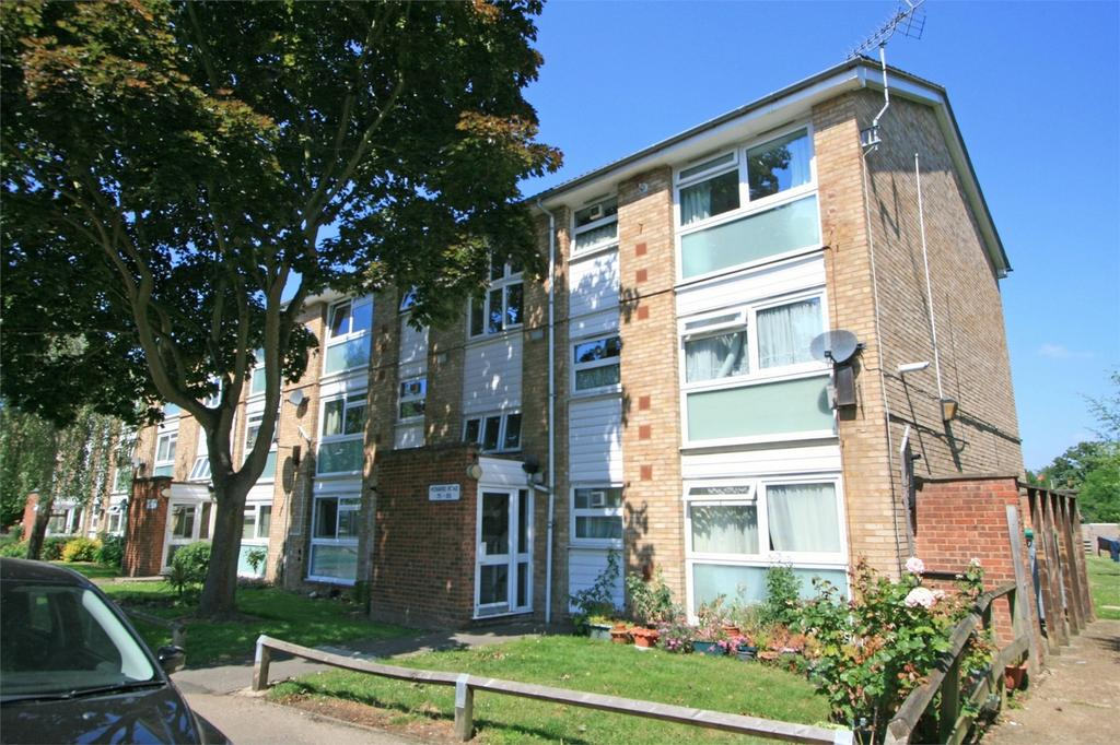 2 Bedrooms Flat for sale in Howard Road, BROMLEY, Kent