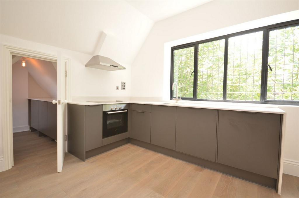 1 Bedroom Flat for sale in 3 The Old Chambers, 287 - 291 High Street, Epping