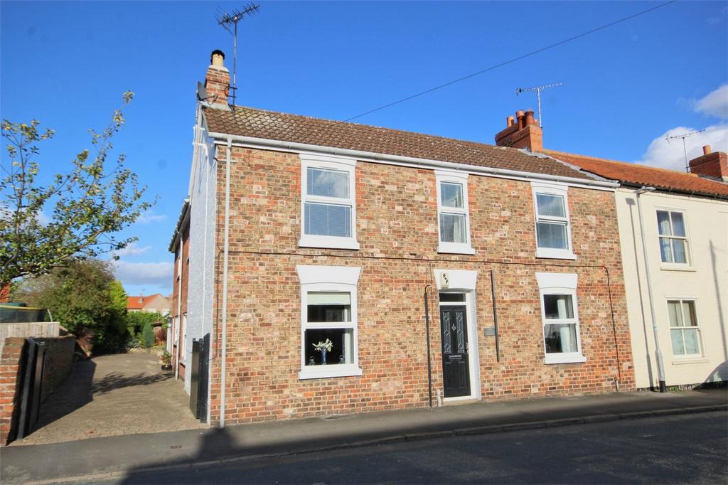 4 Bedrooms Semi Detached House for sale in 17 Main Street, Cranswick, Driffield, East Riding of Yorkshire