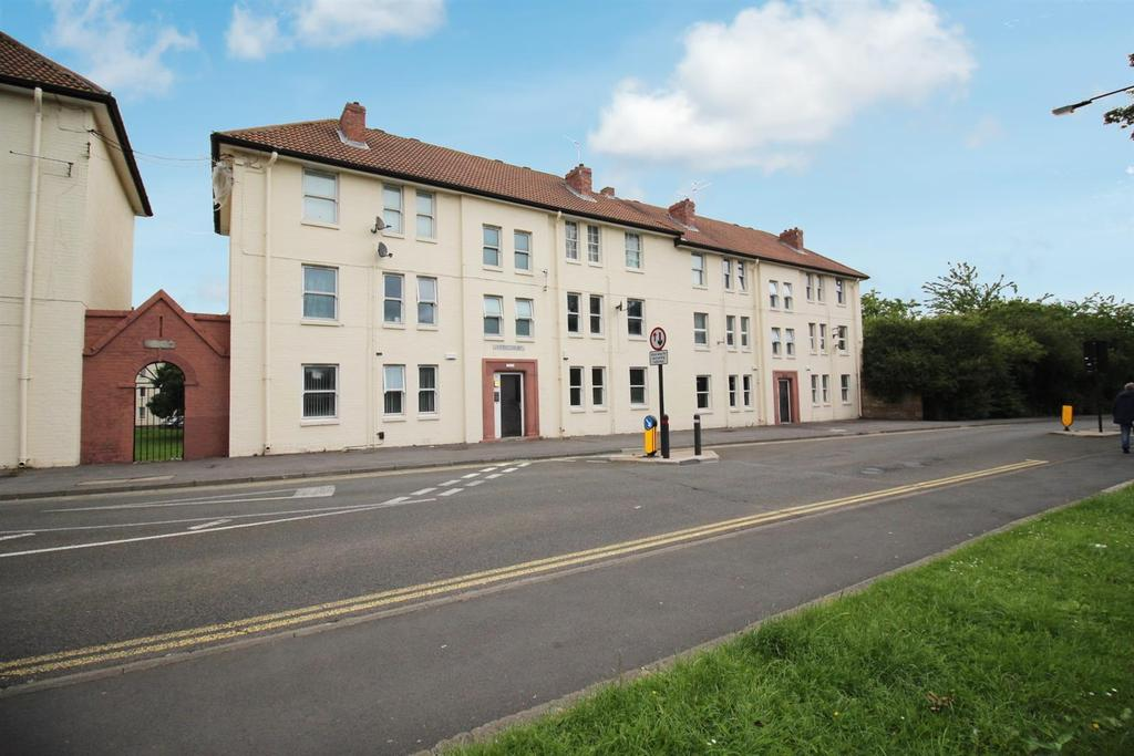 2 Bedrooms Flat for sale in Barrack Road, Newcastle Upon Tyne