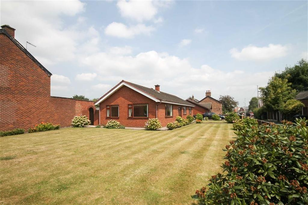 3 Bedrooms Detached Bungalow for sale in School Lane, Moulton