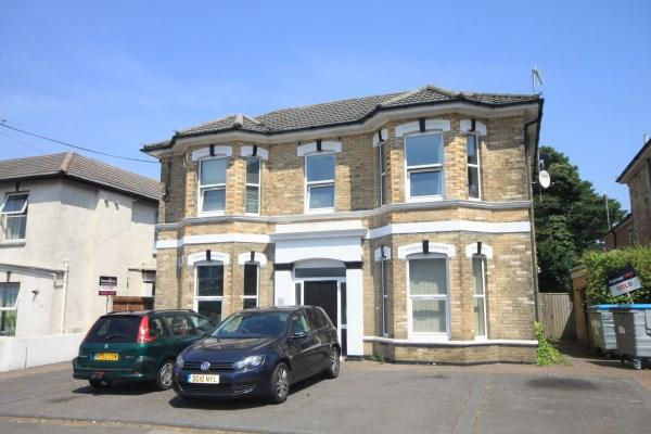 2 Bedrooms Apartment Flat for sale in St. Swithuns Road South, Bournemouth