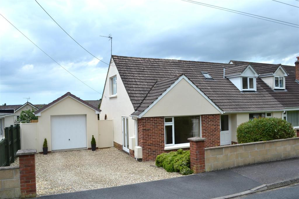 4 Bedrooms Semi Detached Bungalow for sale in Cherry Grove, Barnstaple