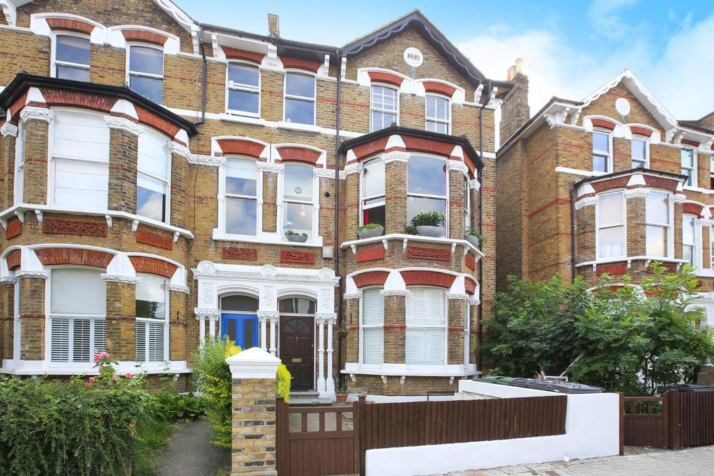 1 Bedroom Flat for sale in Montrell Road, Streatham Hill, SW2