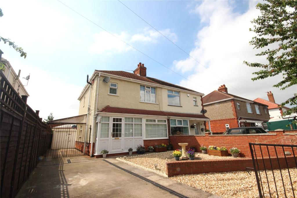 3 Bedrooms Semi Detached House for sale in Louth Road, Holton Le Clay, DN36