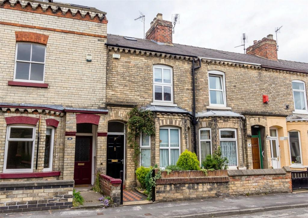 2 Bedrooms Terraced House for sale in Neville Terrace, Haxby Road, York