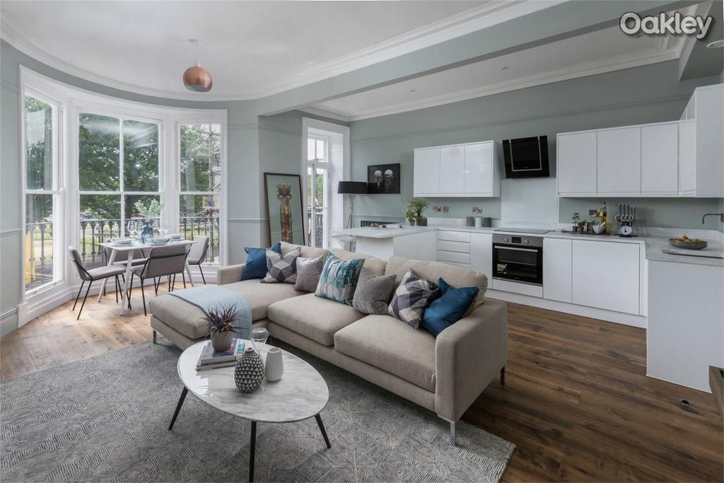 3 Bedrooms Flat for sale in 1825 Residence, Old Steine, Central Brighton