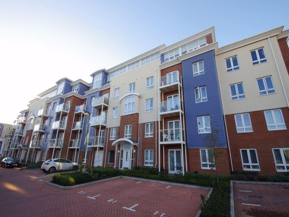 1 Bedroom Flat for sale in Bickerton House, Pumphouse Crescent, WATFORD, Hertfordshire