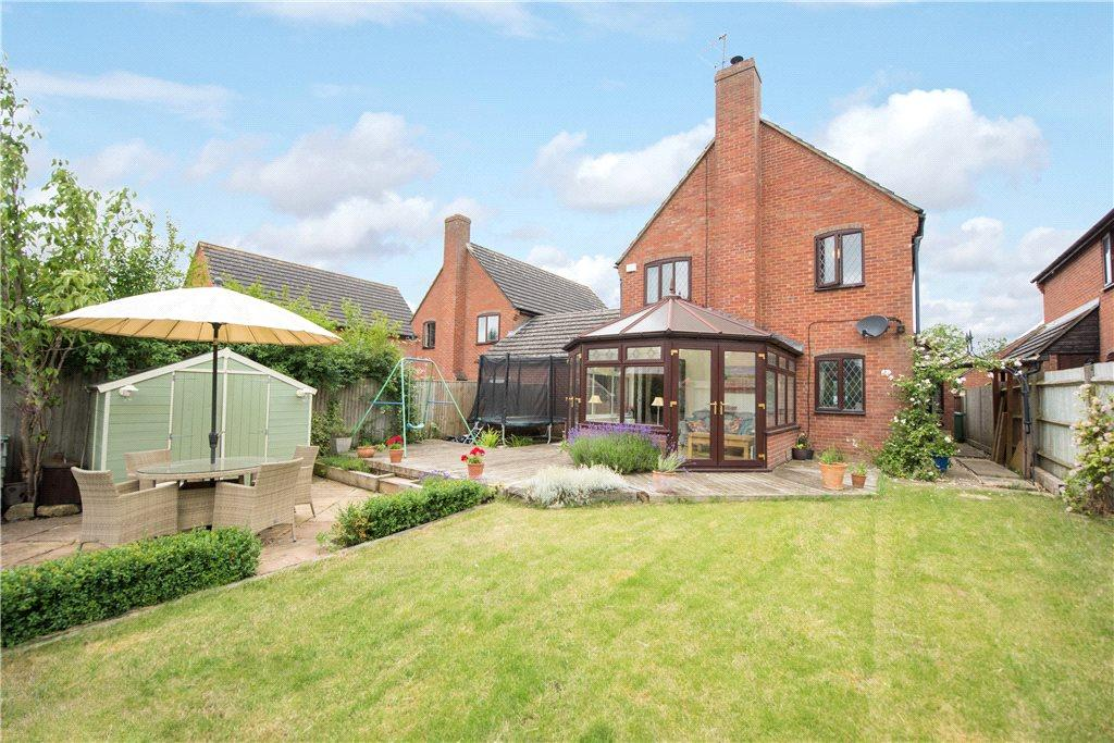 4 Bedrooms Detached House for sale in Grendon Road, Edgcott, Aylesbury, Buckinghamshire