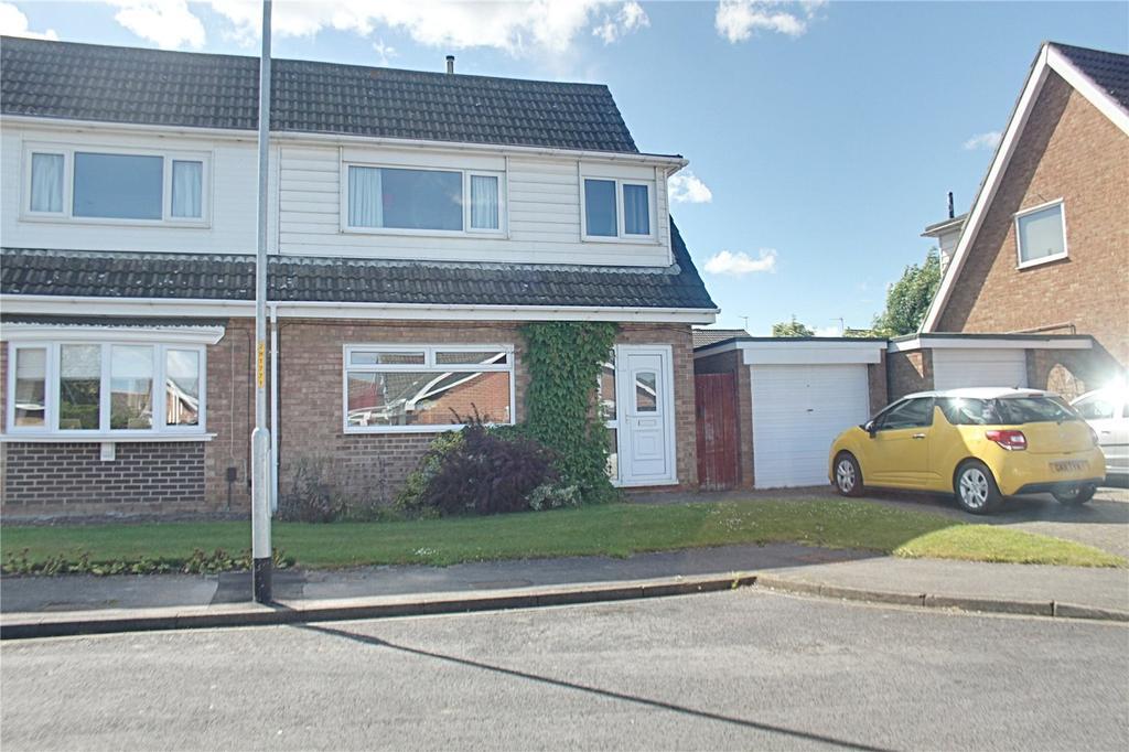 3 Bedrooms Semi Detached House for sale in Hazel Slade, Eaglescliffe