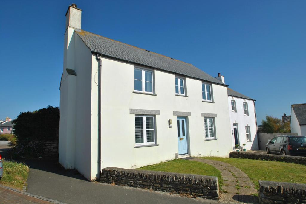 3 Bedrooms Semi Detached House for sale in Bezant Place, Newquay