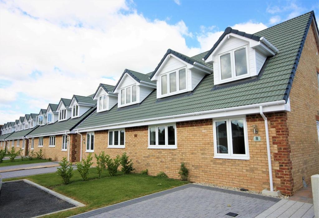 3 Bedrooms Semi Detached House for sale in Belvedere Gardens, Deal