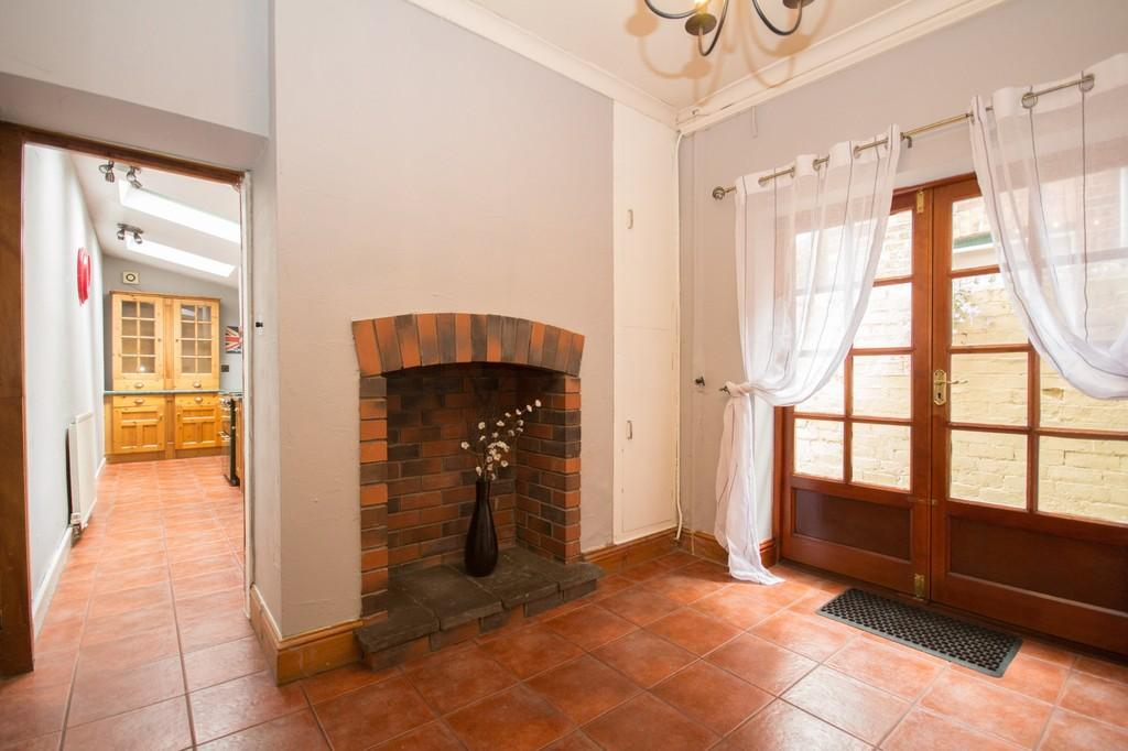 4 Bedrooms Terraced House for sale in Croslands Park Road, Barrow-In-Furness