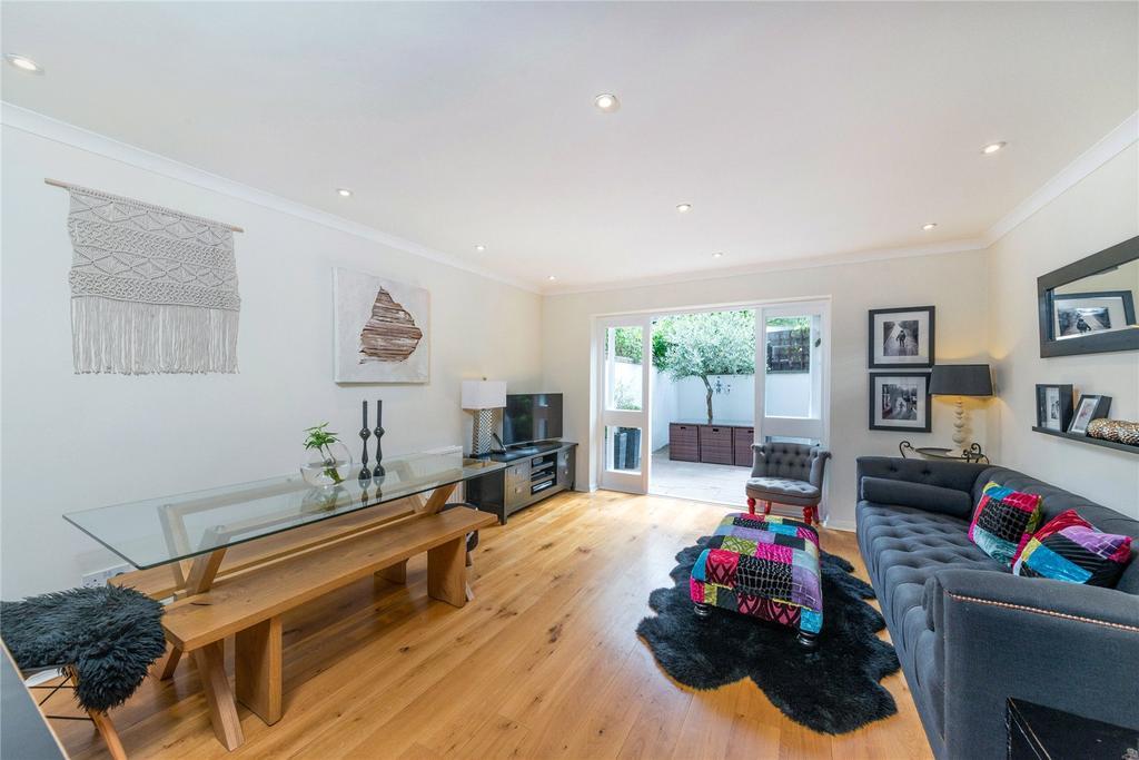 3 Bedrooms Terraced House for sale in Hazledene Road, Chiswick, London
