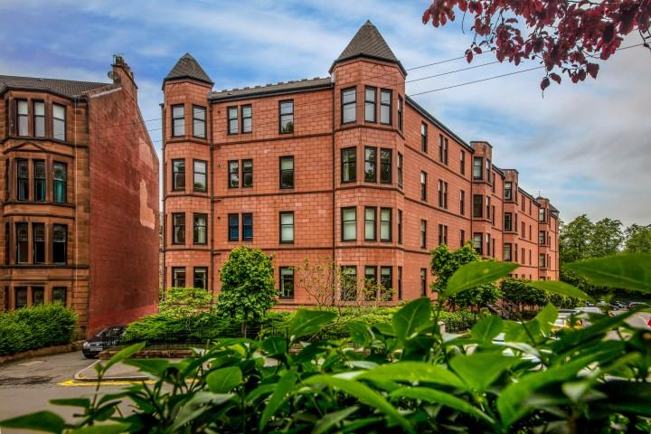 3 Bedrooms Flat for sale in 12 Kingsborough Gate, Hyndland, G12 9JZ