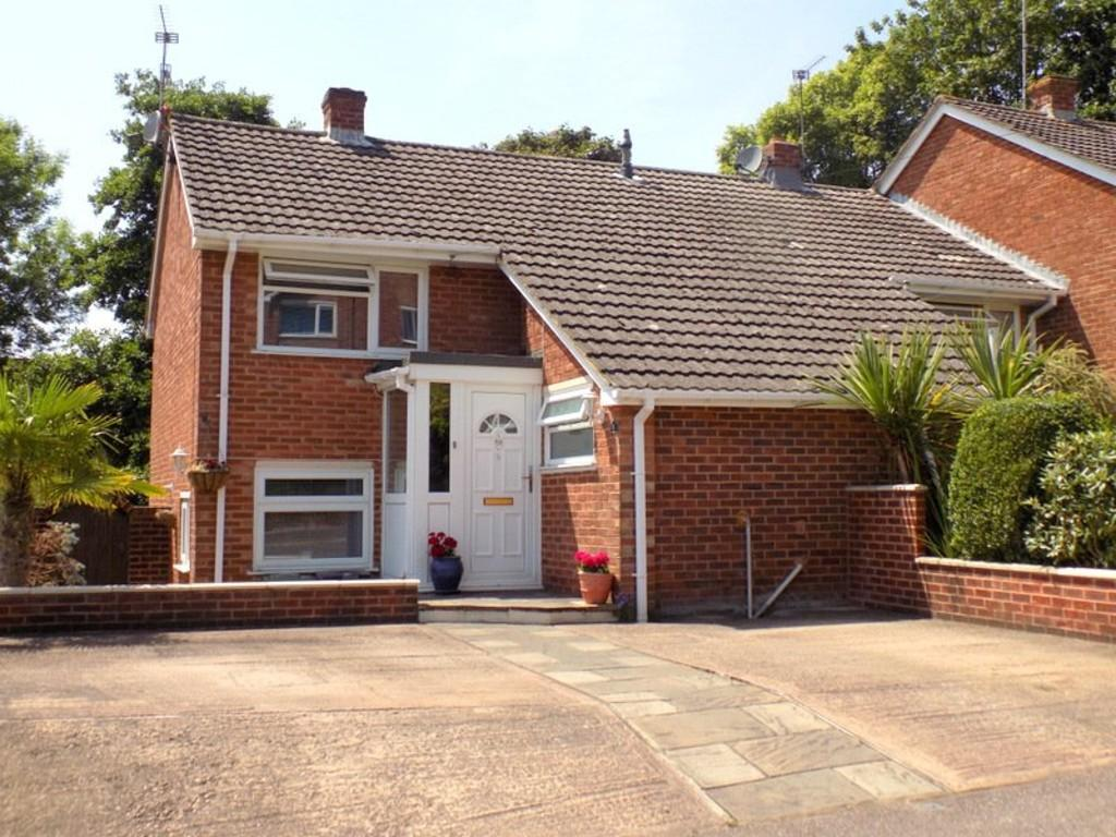 3 Bedrooms End Of Terrace House for sale in Iolanthe Drive, Beacon Heath