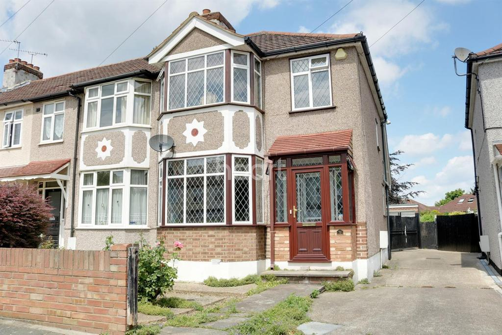 3 Bedrooms Semi Detached House for sale in Belgrave Avenue, Gidea Park
